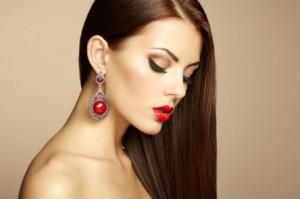 Ламинирование волос с помощью бальзама и выпрямителя